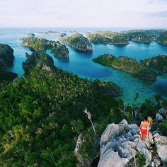 Raja Ampat Indonesia  ____________  Photographer: @7seb7 ____________  Follow all our pages  @wildernessnation for your daily wilderness inspiration  @animal_collection to discover how many beatiful animals live in our planet  ___________  Tag #wildernessnation like our photos and follow us to see your jobs here  ___________  #travel #adventure #travelphotography #instatravel #traveltheworld #warrenjc #Adventureculture #passportheavy #tourtheplanet #vacation #liveoutdoors #travelawesome…