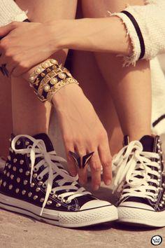 Hippie Style ♥ converses black all star brazalets ring anillo pulseras tachuelas