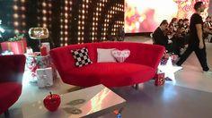 """Fama estuvo presente en la pasada gala de nochebuena de Telecinco """"La noche en Paz"""".  Dos sofás Lulu en color rojo, dieron el toque de colorido y elegancia en una noche tan especial."""