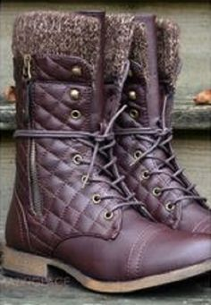 burgundy quilted ankle boots with fur trim.. very cozy