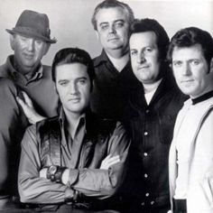 The Colonel Tom Parker, Elvis, Lamar Fike, Joe Esposito and Charlie Hodge. Part of the Memphis Mafia.
