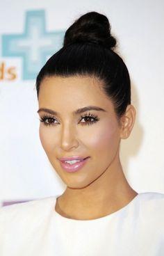 Kim Kardashian makeup #pink #blusher