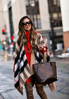 The Best Designer Work Bags to Invest In - Louis Vuitton Handbags Neverfull - Trending Louis Vuitton Handbags Neverfull - Louis Vuitton Neverfull Bag street style outfit / Designer work bag / street style fashion / work tote bag Louis Vuitton Neverfull, Louis Vuitton Scarf, Fall Winter Outfits, Autumn Winter Fashion, Casual Winter, Fall Fashion, Burberry Handbags, Womens Fashion For Work, Ladies Fashion