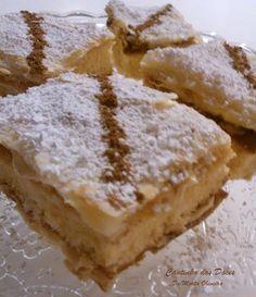 Bolo Russo, Sweet Recipes, Cake Recipes, Tiramisu Trifle, Puff Pastry Recipes, Portuguese Recipes, Cook At Home, Looks Yummy, Deserts