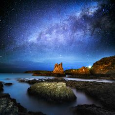 Copyright : AtomicZen  In that darkest night, the Milky Way could be observed with our naked eyes. I carefully set my camera on the spot while worrying about the incoming tide, even reducing its level from time to time.