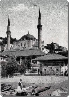 1890'larda Sandalcılar, Mihrimah Sultan Camii ve Sultan 3. Ahmed çeşmesi. Üsküdar.