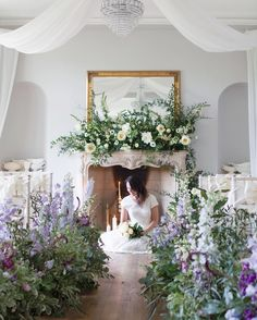 Very fond memories of the @tallulahroseflowerschool Wedding Flower Course Retreat in Somerset back in May. So lovely to spend time with Rachel her students and @emmasoulsby (pictured here). It's taking place again from October 10th-14th! | #UnderTheFloralSpell #ThrowbackThursday