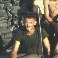 Virtual Vietnam Veterans Wall of Faces | DANIEL W MAJORS | MARINE CORPS