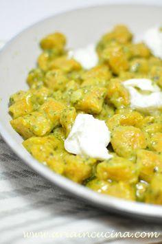 Blog di cucina di Aria: Gnocchetti di zucca e patate con pesto leggero e mozzarella di bufala