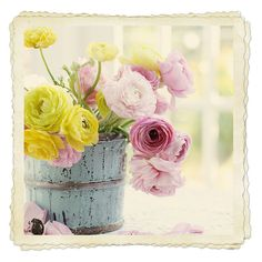 Love this idea, simple country decor with fresh blooms. Clock Spring, Spring Sign, Beautiful Gardens, Beautiful Flowers, Spring Is Here, Spring Has Sprung, Floral Bouquets, Country Decor, Decorating Your Home