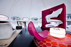 Velvet Galerie , Marché Dauphine - velvet galerie - mobilier design - Quasar Khanh - inflatable furniture-pop culture