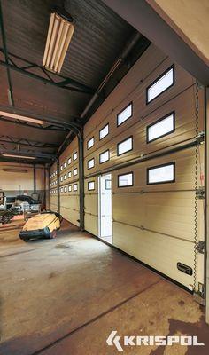 brama przemysłowa, brama segmentowa, drzwi serwisowe, garaż wielostanowiskowy, K2 IS, okno w bramie, prowadzenie, sekcja aluminiowa, sekcja przeszklona, uchwyt