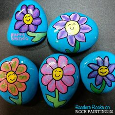 These happy flower rocks are an easy flower painting idea that works perfectly on rocks! I can just imagine the smile on someones face when they find . Happy Flower Rocks ~ An easy flower painting idea Pebble Painting, Pebble Art, Stone Painting, Easy Flower Painting, Rock Painting Ideas Easy, Rock Flowers, Happy Flowers, Rock Painting Patterns, Rock Painting Designs