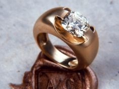 Bague Eolia or jaune diamant coussin 3,30 carats