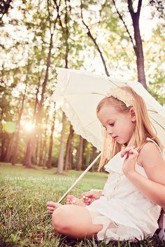 cute!  love the parasol!