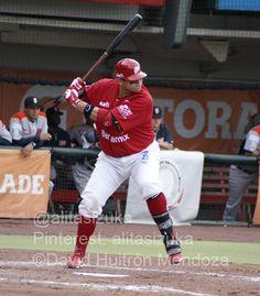Japhet Amador, 1B de los @Diablos Rojos del México batea para .373 con 117 hits