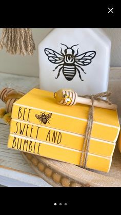 Tree Bees, Bee Crafts, Easter Crafts, Wood Crafts, Wooden Books, Bee Party, Dollar Tree Crafts, Bee Theme, Stack Of Books