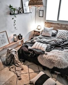 Bedroom Inspiration : Daridesign-home decor inspiration. bohemian style and colo… Bedroom Inspiration : Daridesign-home decor inspiration. bohemian style and colorful. Bedroom Inspo, Home Decor Bedroom, Modern Bedroom, Living Room Decor, Adult Bedroom Ideas, Trendy Bedroom, Narrow Bedroom Ideas, Industrial Bedroom Decor, Bedroom Ideas For Small Rooms For Adults