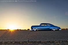 51ChevySunsetProfile, via Flickr. That thing is slick...