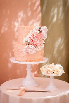 Praise Wedding » Wedding Inspiration and Planning » 12 Feminine Wedding Cakes