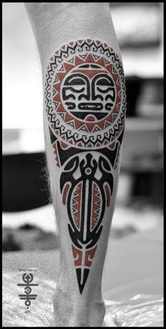 Татуировки Солнце и Черепаха в стиле Хайда Голень / Каталог тату-салонов и мастеров