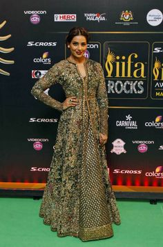 Bipasha Basu at IIFA Rocks 2015 : Bipasha looked lovely in an eccentric Sabyasachi design with perfect hairdo and makeup. Indian Gowns Dresses, Pakistani Dresses, Bridal Dresses, Indian Attire, Indian Wear, Indian Outfits, Indian Clothes, Indian Designer Outfits, Designer Dresses