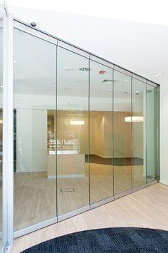 Banco HSBC Alcántara, Santiago - Chile, proyecto con sistema Sigma Vidrio, de…