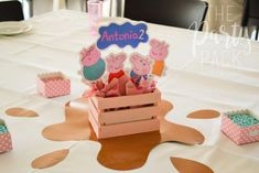 New Party Decoracion Ideas Birthday Peppa Pig 45 Ideas Peppa Pig Birthday Decorations, Pig Birthday Cakes, 3rd Birthday Parties, 2nd Birthday, Peppa Pig Pinata, Cumple Peppa Pig, Peppa E George, George Pig Party, Party Decoration