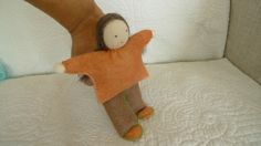 walking doll slip fingers in her back and then walk!