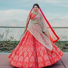 Stunning Anita Dongre Lehengas Spotted On Real Brides Pink Bridal Lehenga, Blue Lehenga, Emerald Green Dresses, Anita Dongre, Engagement Dresses, Wedding Looks, Bridal Portraits, Brides, Exotic