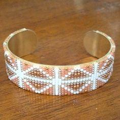 Petit dernier.... #jenfiledesperlesetjassume #miyuki #perles #manchette #bracelet #beads #matierepremiere