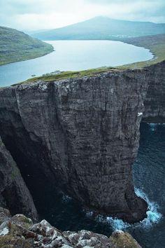 Sorvagsvatn Lake overlooks the Atlantic - Faroe Islands