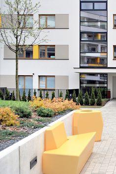 Коллекция Simple представляет собой композицию изтрех элементов, предназначенную для оформления общественных городских пространств. Mansions, House Styles, Simple, Plants, Home Decor, Mansion Houses, Homemade Home Decor, Villas, Fancy Houses