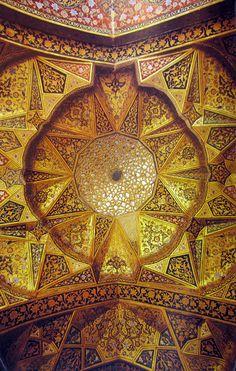 Painted muqarnas ceiling, Hasht Behesht/Eight Paradises (Isfahan, Iran)