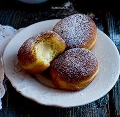 Bomboloni – włoskie pączki z kremem budyniowym Pretzel Bites, Bread, Desserts, Food, Tailgate Desserts, Deserts, Brot, Essen, Postres