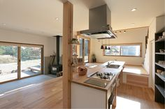 特注キッチンとストーブの家 | 群馬(高崎・前橋)で自然素材の注文住宅・デザイン住宅なら四季の住まい