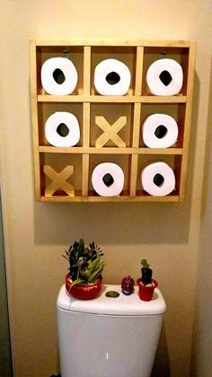 21 Best Toilet Paper Storage Ideas - Cool DIYs Tic Tac Toe Storage The decoration of home is similar to an exhibition space that reveals our very own tastes and design. Best Toilet Paper, Toilet Paper Storage, Toliet Paper Holder, Toilet Roll Holder, Diy Casa, Downstairs Loo, Home Projects, Wooden Projects, Craft Projects