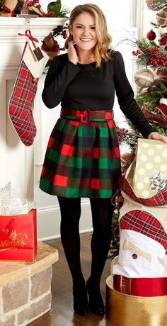 awesome outfit idea | black top + plaid skirt + boots