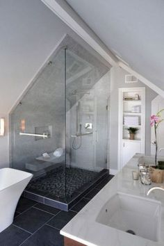 Admirable Attic Bathroom Makeover Design Ideas - Page 9 of 65 Small Attic Bathroom, Attic Bedroom Small, Loft Bathroom, Attic Rooms, Attic Spaces, Bathroom Interior, Small Spaces, Bathroom Ideas, Bathroom Remodeling