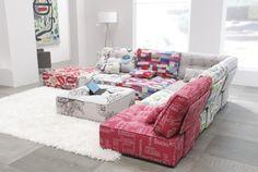 Sofa de diseño modelo Arianne Love de Fama. http://sofaslasrozas.com/home/sofa-de-tela-modelo-arianne-love-fama-10.html