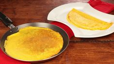 Ricetta Crêpes base: Le crepes piacciono davvero a tutti. Ma chi sa farle davvero bene? Provando la nostra ricette non avrete più difficoltà!