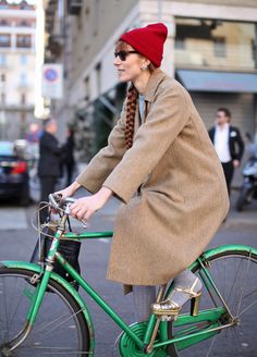 gold shoes on bike. rad.