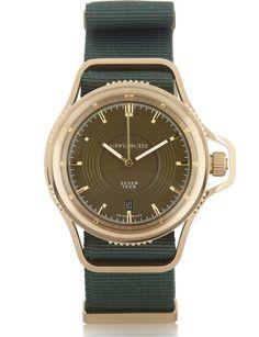 Givenchy http://www.marie-claire.es/moda/accesorios/fotos/10-relojes-para-10-tipos-de-madres/givenchy-9