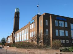 Gillette Factory, Great West Road, Brentford, 20050123 - Sir Banister Fletcher - Wikipedia, the free encyclopedia Vintage London, Old London, London Architecture, Contemporary Architecture, West Road, Brentford, Art Deco Buildings, Great Western, Banisters