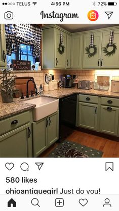 Great Free of Charge Primitive Kitchen cabinets Concepts Place in addition to antique design is actually popular appropriate now. No matter whether yourr home is with the suburb Farmhouse Kitchen Decor, Kitchen Redo, Kitchen Remodel, Green Country Kitchen, Farm Kitchen Ideas, Kitchen Black, Southern Kitchen Decor, Farmhouse Remodel, Farmhouse Style
