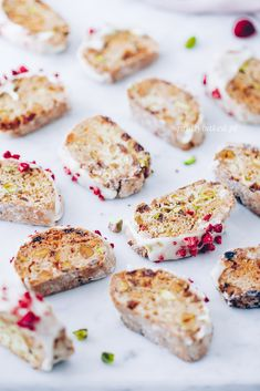 Pistachio Biscotti, Culinary Arts, No Bake Desserts, Cookie Recipes, Sweets, Snacks, Cookies, Dessert Ideas, Food Photography