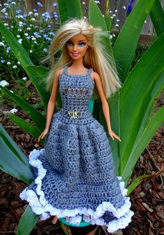 Ravelry: 6 Gorgeous Dresses for 11 1/2 inch Dolls pattern by Jennifer Gregory