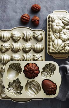 I love my new fall Nordic Ware bakeware! Makes everything taste and look more delicious. Fall inspiration and photo ideas. Things to do during fall. Nordic Ware, Fall Baking, Baking Pans, Baking Tools, Baking Soda, Cake Pans, Fall Recipes, Pumpkin, Sweets