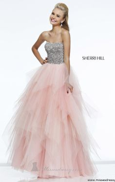 Sherri Hill dresses are designer gowns for television and film stars. Find out why her prom dresses and couture dresses are the choice of young Hollywood. Sherri Hill Prom Dresses, Grad Dresses, Pageant Dresses, Homecoming Dresses, Prom Gowns, Dresses Dresses, Dresses Online, Gorgeous Prom Dresses, Pretty Dresses