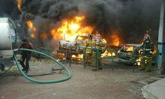De acuerdo con la ABEM, un incendio de pastizal se salió de control, provocando los daños antes mencionados; Bomberos de Maravatío lograron salvar 3 vehículos más – Morelia, Michoacán, 23 ...